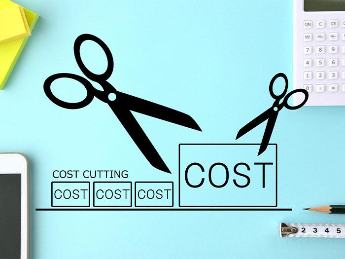 外注による車両維持コストの削減